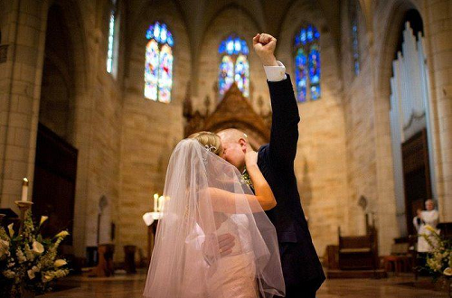 <a href='https://www.onemeet.com/method/dyyqh'>电影院求婚</a>场景布置方案,电影院浪漫求婚布置的方法